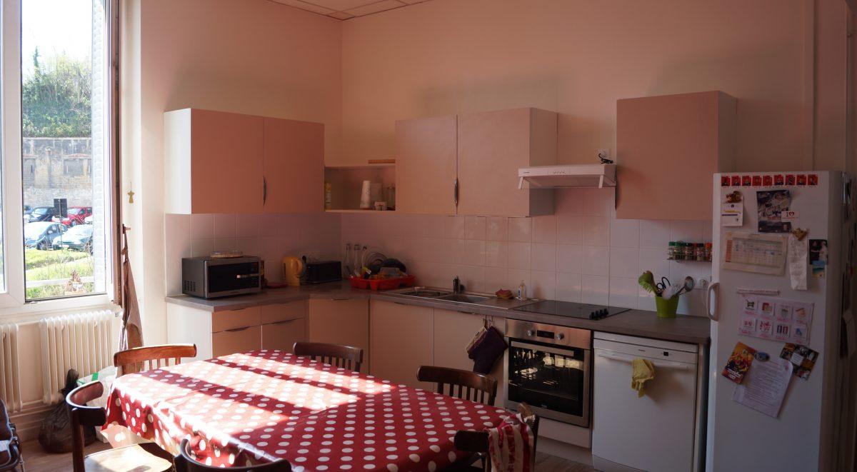 Une nouvelle cuisine pour la colocation de lyon la for Cuisine x roussien lyon
